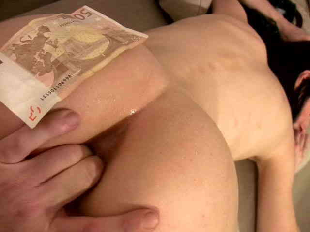 Anal Video 4 : Pauline Cooper thumbnail